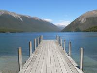 Jetee sur  un lac...